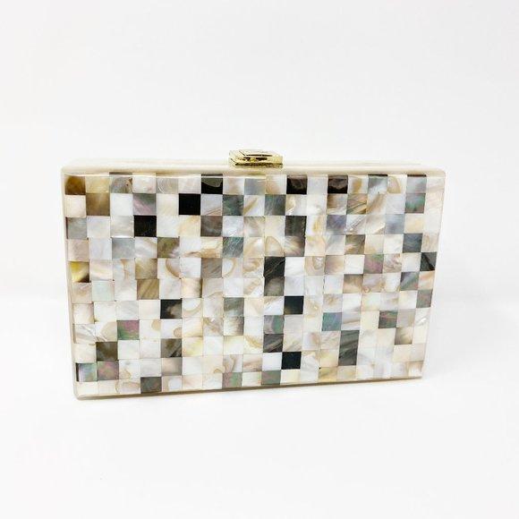 Closet Rehab Handbags - Acrylic Party Box in Shell